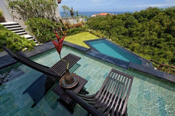 Luxurious Villa At Uluwatu Overlooking Indian Ocean